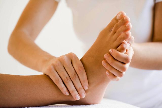 Описание: Именно массаж ног